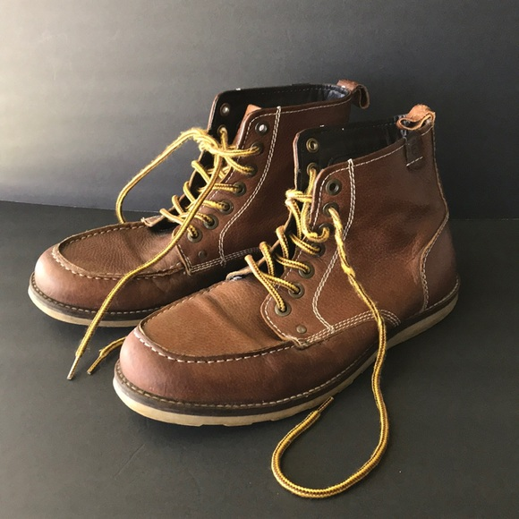 Crevo Buck Moc Toe Lace Boots Sz 5
